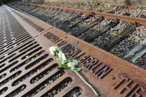 Gedenkveranstaltung am Mahnmal »Gleis 17« » … abgeholt!« @ S-Bahnhof Grunewald, 14193 Berlin